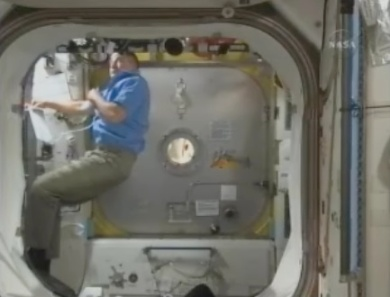 Depressurizing Airlock With Astronauts