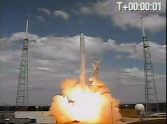 Falcon 9 Liftoff